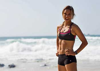 sally fitzgibbons in exercise wear